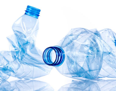 Plastica riciclata al 100%,  anche nelle bottiglie italiane.