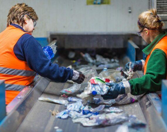 ♥♥♥ Ancora su l'industria del riciclo della plastica ♥♥♥